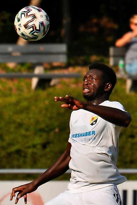 Stammkraft beim Landesligisten SV 08 L...ein auch sein privates Glück gefunden.  | Foto: Jürgen Rudigier