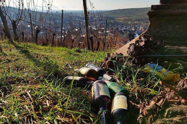 Abfall und Autos in den Reben am Batzenberg verärgern Winzer
