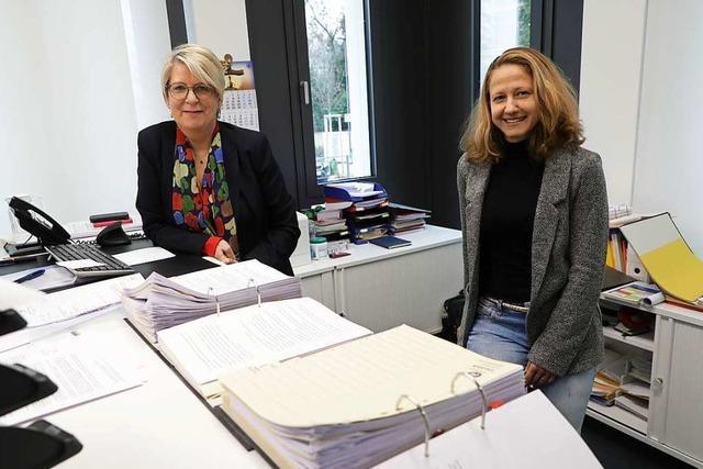 Petra Engelmann und Melanie Graß sind im Ruster Rathaus zu Amtsleiterinnen aufgestiegen