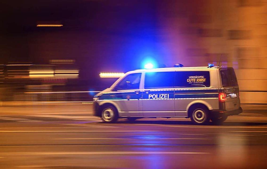 Die Polizei sucht zwei Raser, die sich...d Krozingen ein Duell geliefert haben.    Foto: Robert Michael (dpa)