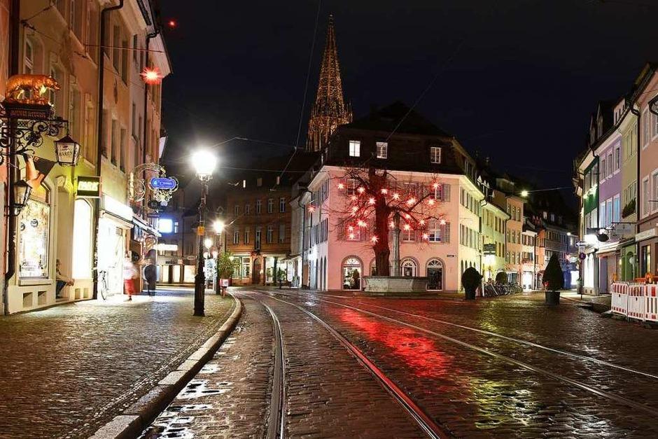 Stille Nacht in Freiburgs Altstadt an Silvester 2020/2021. (Foto: Rita Eggstein)
