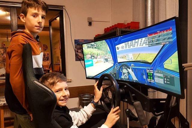Seelbacher Brüderpaar liebt es schnell – im Kart oder am Simulator