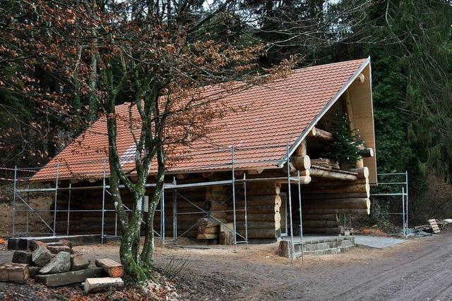Das Sulzer Blockhaus hat jetzt ein Dach