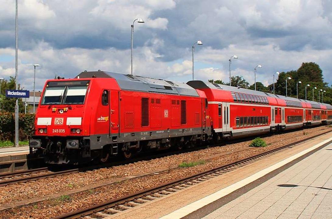 Ein Doppelstockzug, wie er künftig am Hochrhein verkehren soll  | Foto: Rolf Reißmann