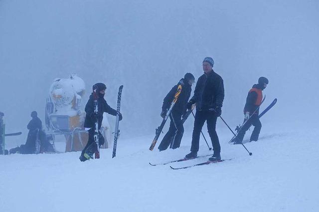 Wintersportler pfeifen im Hochschwarzwald auf die Lifte