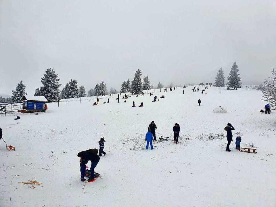 Der Schnee lockt derzeit besonders viele Besucher an den Kandel.    Foto: Daniel Fleig