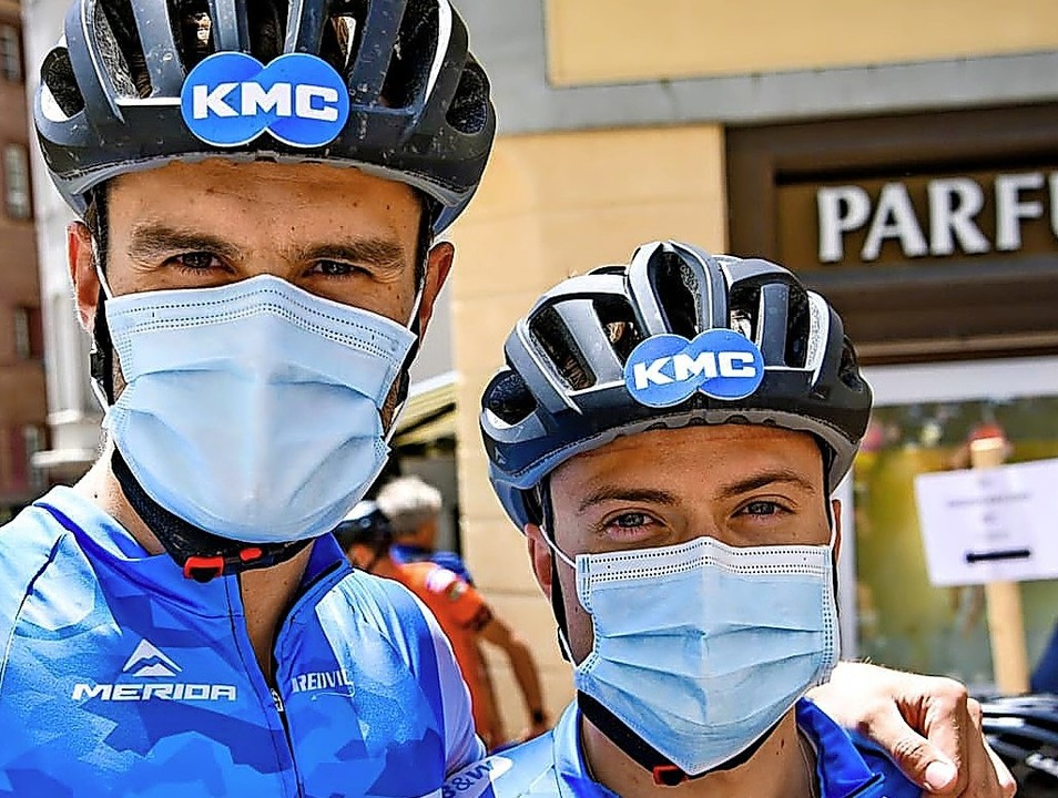 Gut geschützt ist halb gewonnen: Nikla...rida-Team beim Bike-Giro in St. Moritz  | Foto: BZ