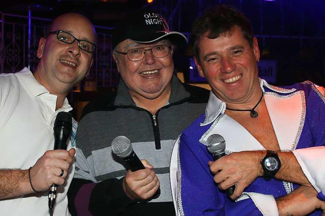 2012 heizten Rainer Schick, Gusty Hufs...n links) im Café Verkehrt als DJs ein.  | Foto: Timo Jehle