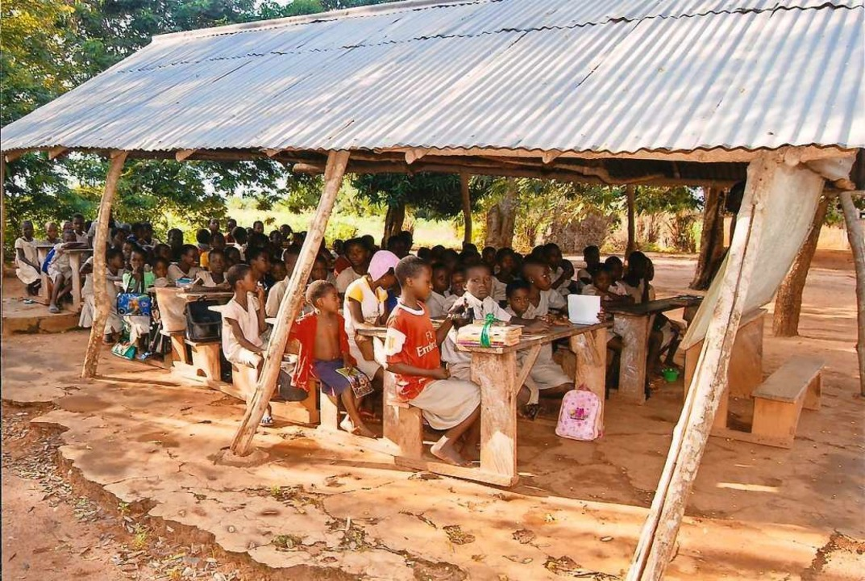Die Verbesserung der schulischen Infra...bau eines Schulgebäudes motiviert hat.    Foto: privat