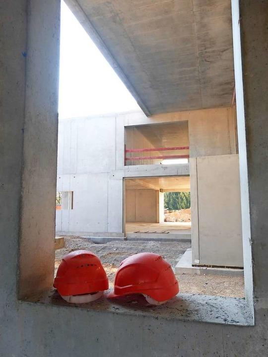Neu gebaut und 2021 fertig wird das Rathaus in Schallstadt.  | Foto: Andrea Gallien