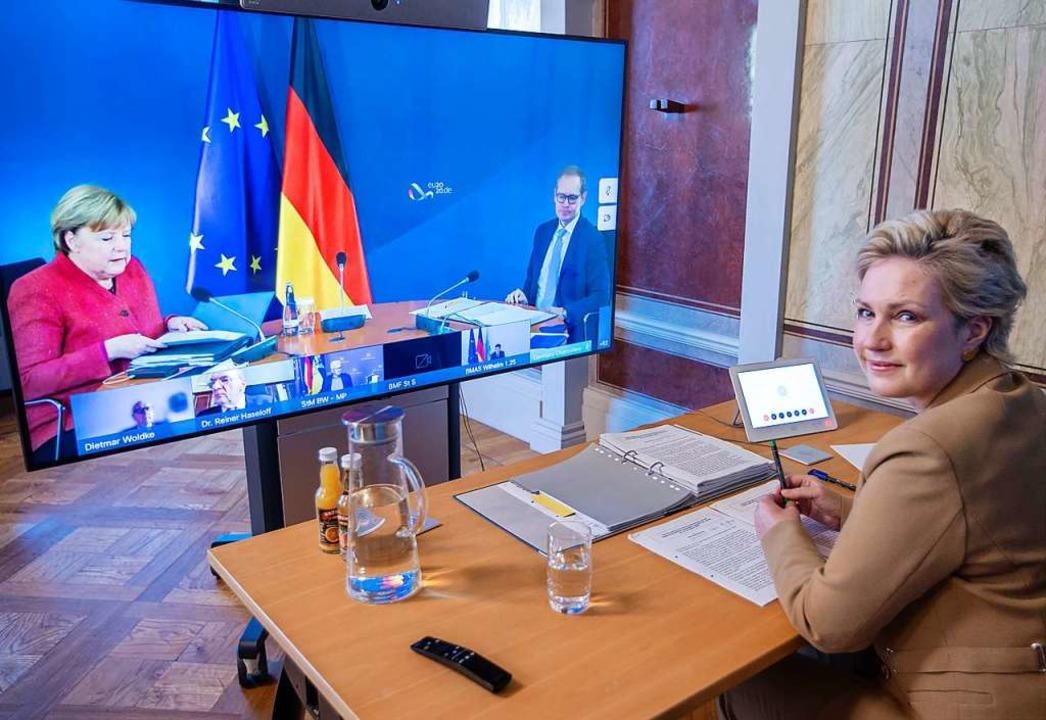 Die Beratungen von Bund und Ländern we...deokonferenz ausgetragen. (Archivbild)  | Foto: Jens Büttner (dpa)
