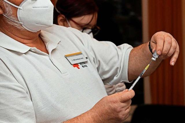 Mobile Teams impfen in Lahrer Pflegeheimen gegen Corona