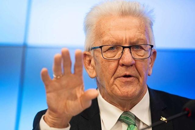 Pressekonferenz zum Nachgucken: Ministerpräsident Kretschmann informiert über Corona-Regeln im Land