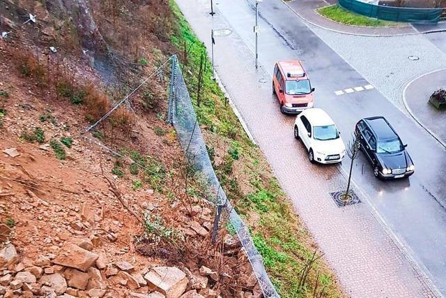 Lockere Felsen bereiten der Stadt Zell im Wiesental Sorgen