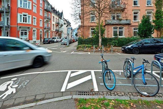 Nach tödlichem Radlerunfall: Stadt macht fünf Freiburger Kreuzungen sicherer