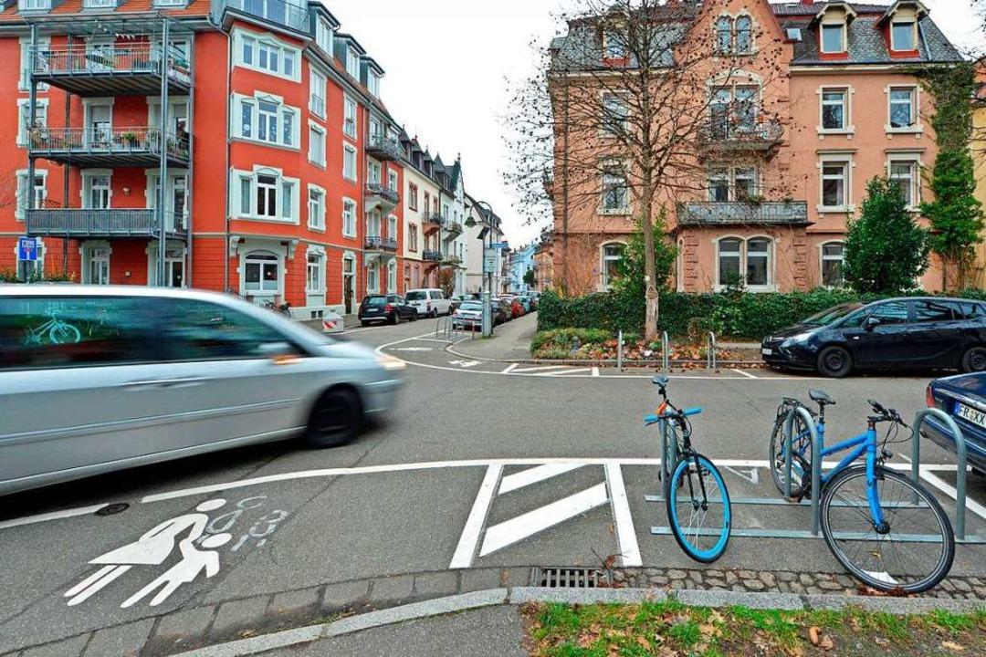 Die erste umgebaute Kreuzung in der Wi...ntlang der Zasiusstraße sollen folgen.    Foto: Michael Bamberger