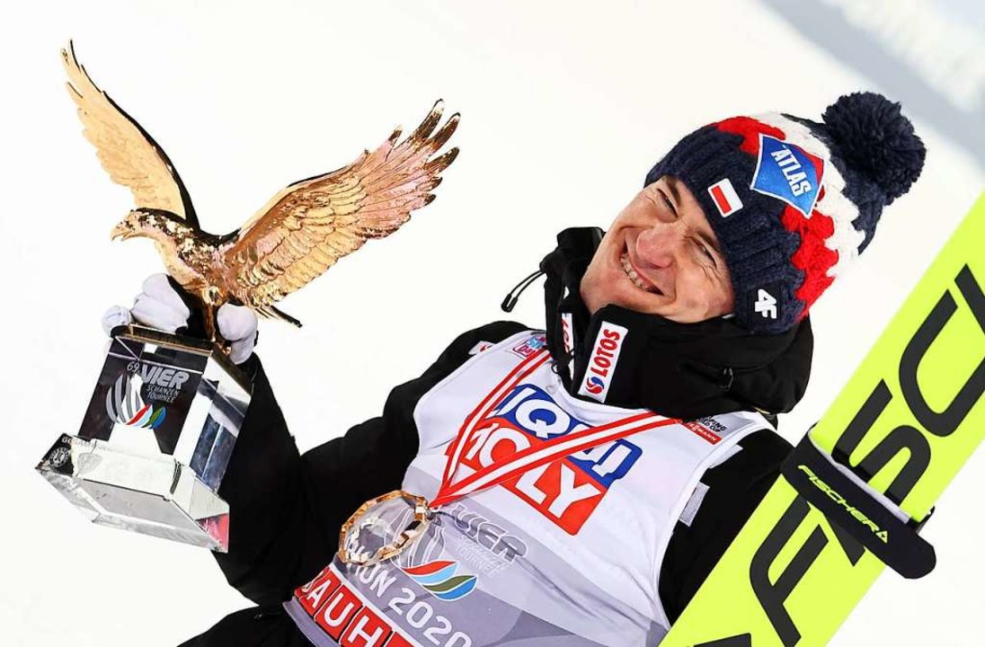 Kamil Stoch, zum dritten Mal Gesamtsie... startet ebenfalls im Hochschwarzwald.  | Foto: Daniel Karmann (dpa)