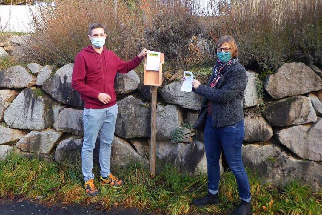 Matti Engelhardt und Jutta Notter von ...r  Gottenheimer Initiative informiert.  | Foto: Manfred Frietsch