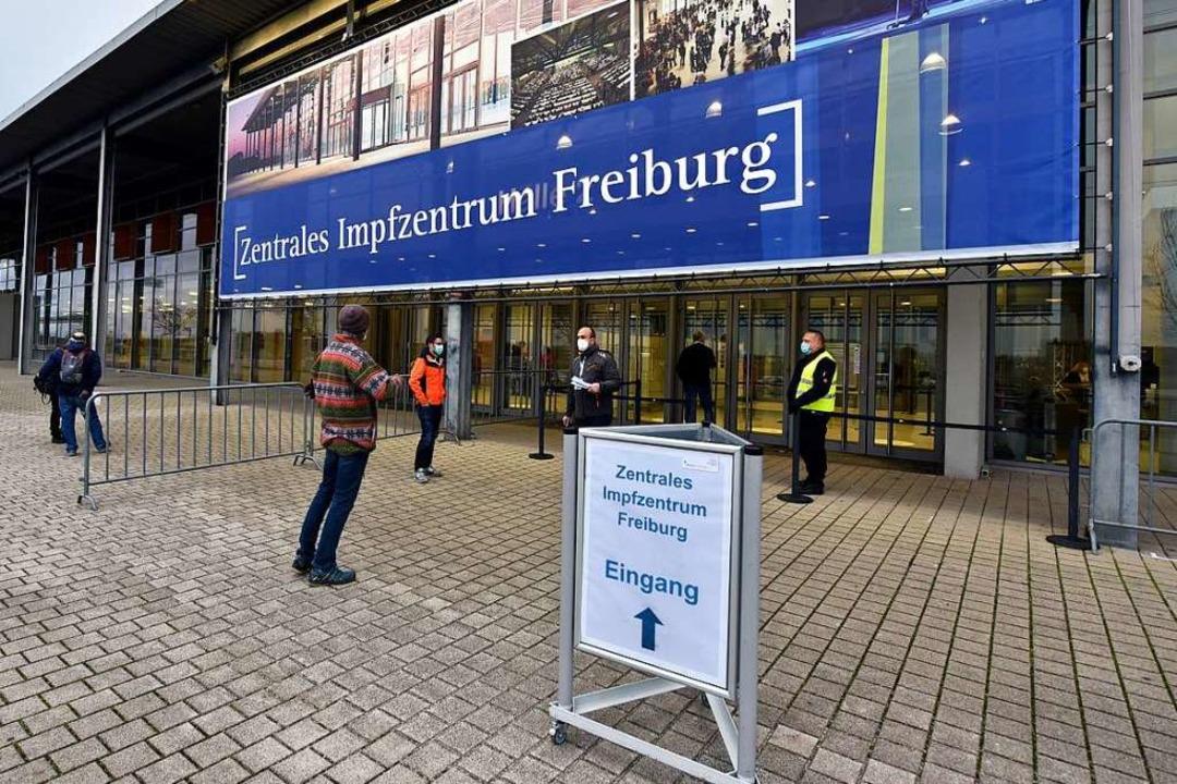 Das Zentrale Impfzentrum in Freiburg hat seinen Betrieb aufgenommen.  | Foto: Thomas Kunz