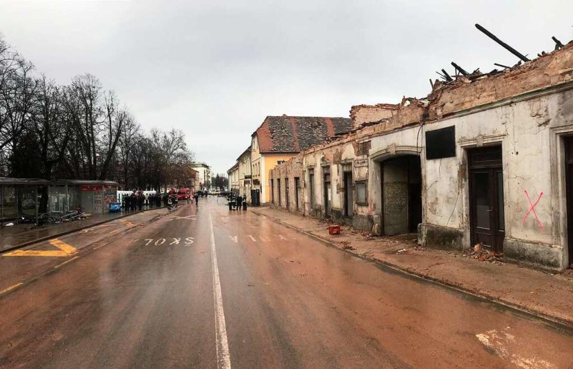 Ganze Straßenzüge wurden in dem kroatischen Erdbebengebiet zerstört.    Foto: Volker Münch