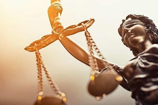 Geklaut, erwischt, verurteilt - Justiz macht häufiger kurzen Prozess