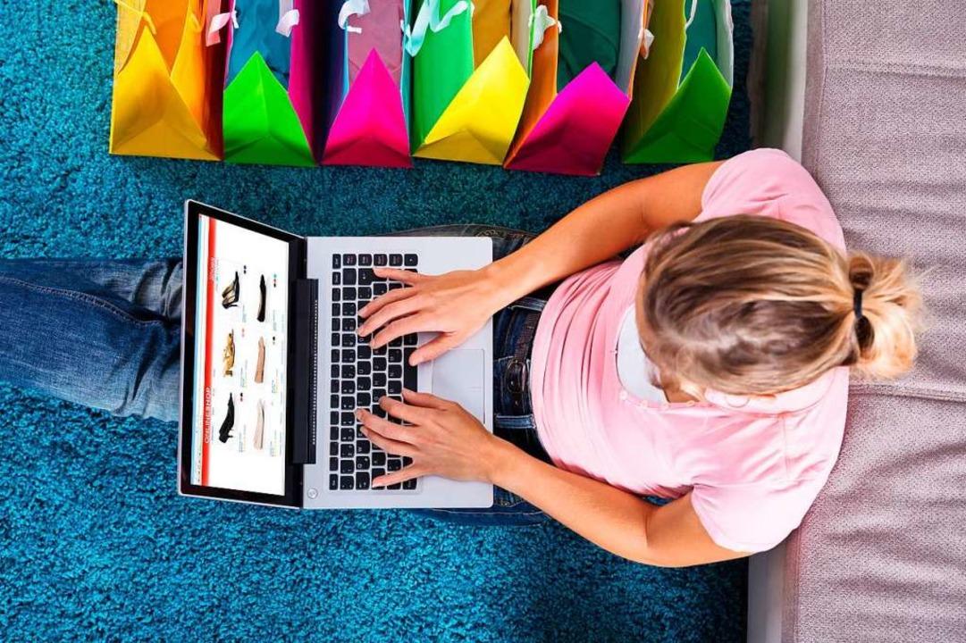Online bestellen und beim Einzelhändle...-Württemberg ab Montag wieder erlaubt.  | Foto: Andrey Popov (Adobe Stock)