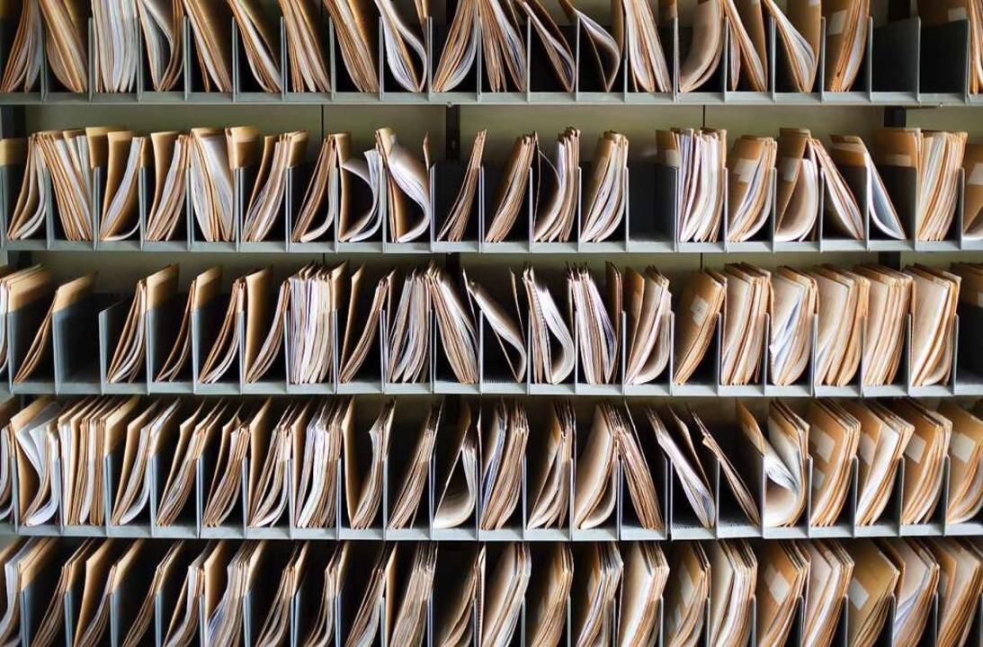 350.000 Akten lagern im Archiv der Basler Fremdenpolizei (Symbolbild).  | Foto: hd-design  (stock.adobe.com)