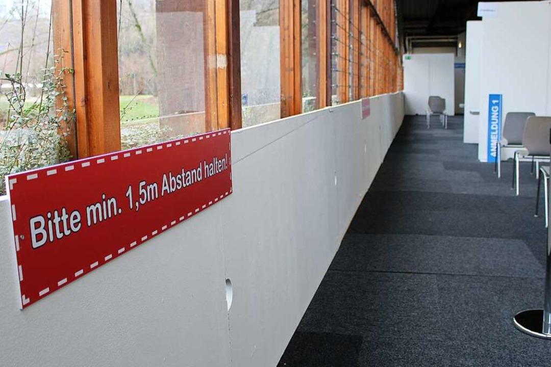 Einblick in das ungenutzte Lörracher Impfzentrum.  | Foto: Annika Sindlinger