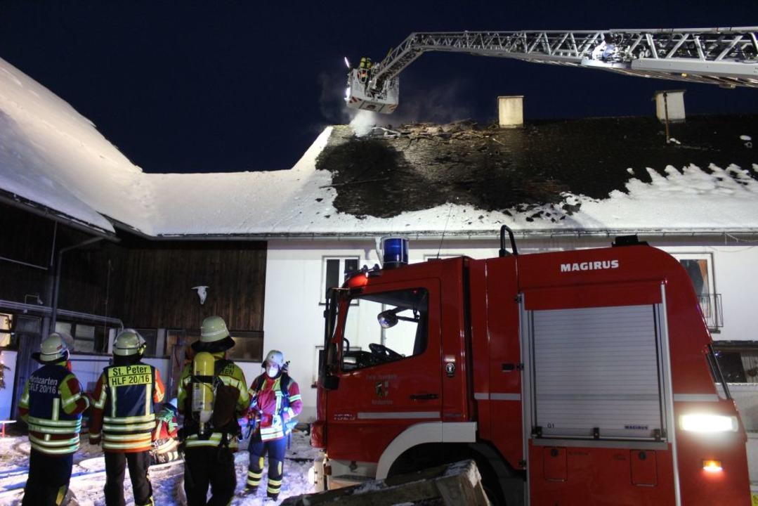 Die Feuerwehr war mit 63 Einsatzkräften im Einsatz.  | Foto: Erich Krieger