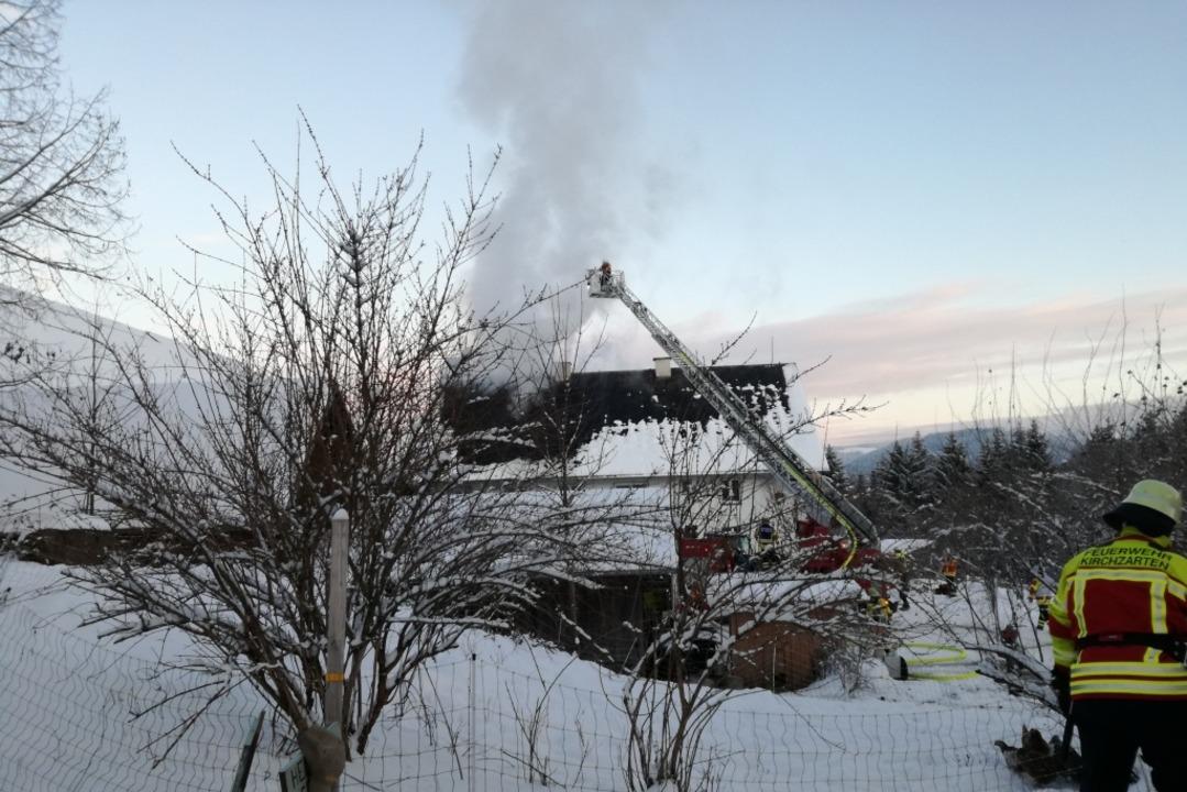 Die Feuerwehr war mit 63 Einsatzkräften im Einsatz.  | Foto: privat
