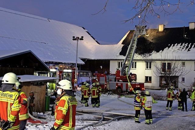 Bauernhof in St. Peter brennt