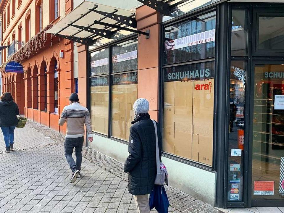Kartons statt Warenauslage: So könnte ...kdown-Folgen nicht abgemildert werden.  | Foto: Helmut Seller