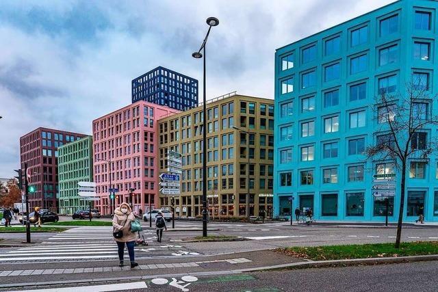 Geteilte Meinungen über neues Quartier: Bringt das Farbe ins Stadtbild oder ist das Marke Plattenbau?