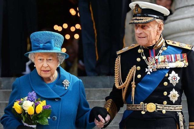 Queen Elizabeth II. und Prinz Philip erhalten Corona-Impfung