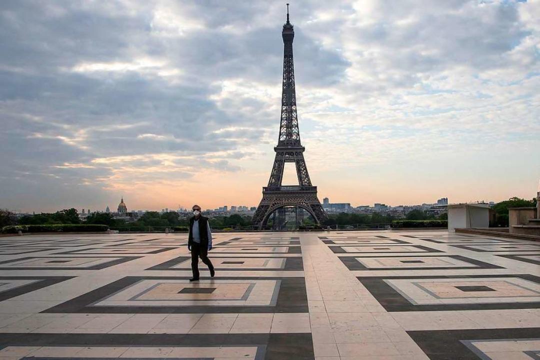 In weiteren Teilen Frankreichs soll fo... Ausgangssperre bestehen (Symbolbild).  | Foto: Michel Euler (dpa)