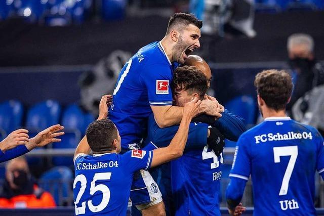Erster Sieg nach einem Jahr: Schalke wendet Rekord ab