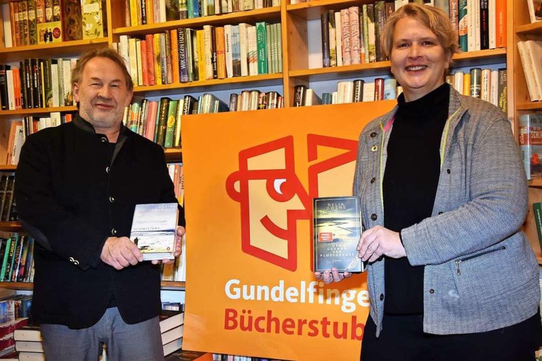 Katrin Schmidt hat die Buchhandlung in...men. Filialleiter wird Irimbert Kastl.  | Foto: Andrea Steinhart