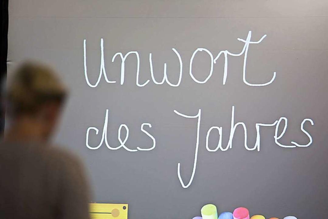 Am Dienstag wird das «Unwort des Jahres» 2020 bekannt gegeben.  | Foto: Frank Rumpenhorst (dpa)