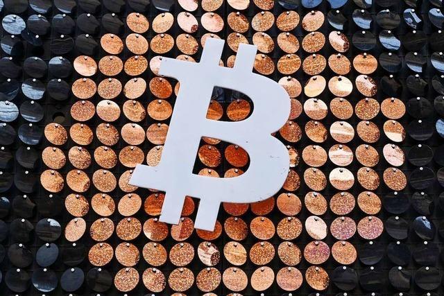 Das viele Geld verleiht dem Bitcoin Flügel – doch Experten warnen