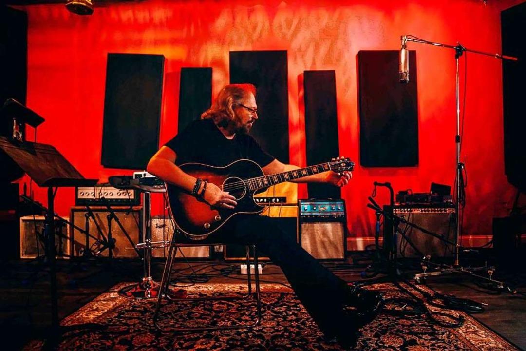 Glaubt an die Unzerstörbarkeit seiner Musik: Bee-Gees-Legende Barry Gibb  | Foto: Desiree Preito