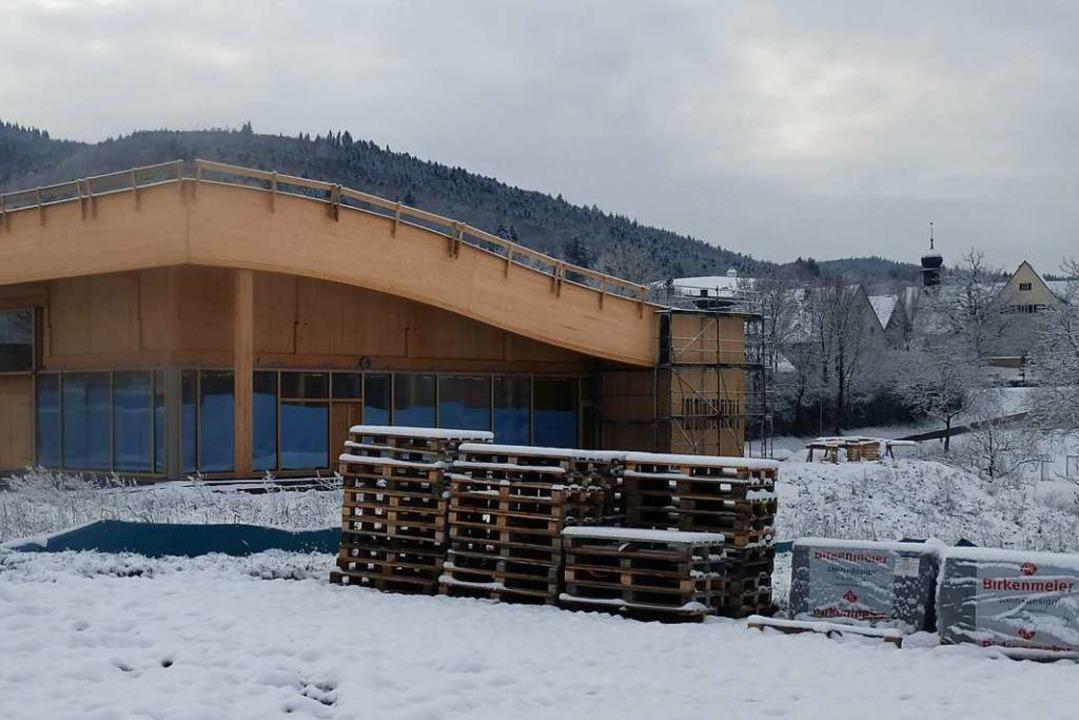 Kurz vor der Fertigstellung: Am 11. Fe... neue Markt in Sölden eröffnet werden.  | Foto: Andrea Gallien