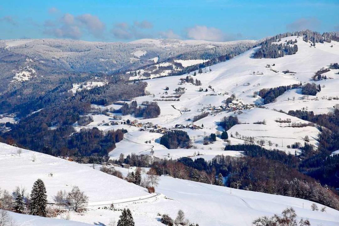 Die Belchenregion – hier ein Bli...#8211; ist aktuell ein Schneeparadies.  | Foto: Georg Ganter