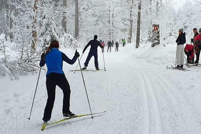 Wintersportler halten sich in der Region Freiburg an die Abstandsregeln