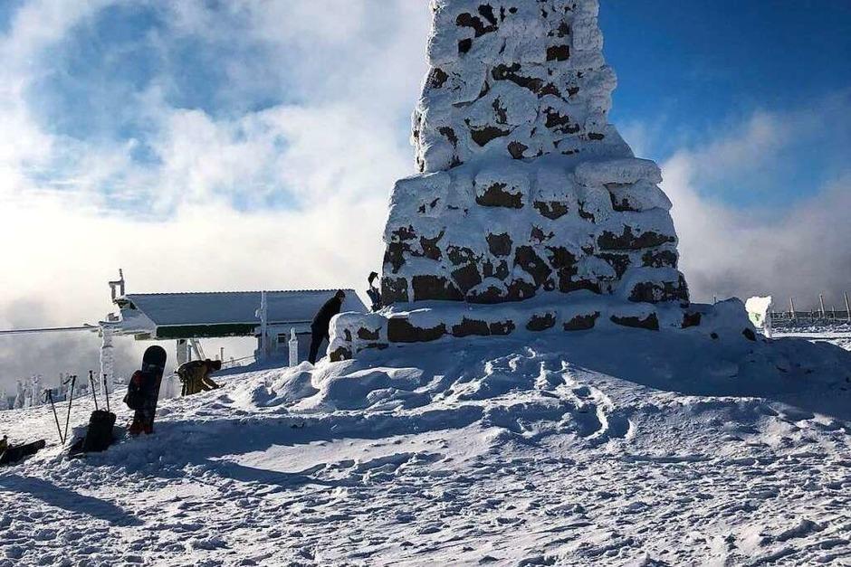 Lifte, Skipisten und Hütten am Feldberg sind geschlossen oder werden weniger genutzt als sonst. (Foto: Severin Roth)