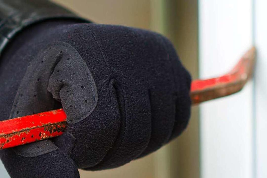 Eingebrochen wurde in eine Hütte in Gottenheim.  | Foto: sdecoret  (stock.adobe.com)