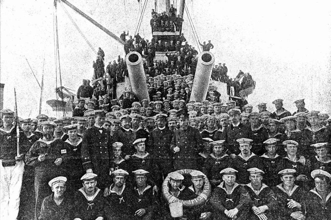 Ein Archivbild von Juli 1900 zeigt die...lmshaven zur Fahrt nach China verließ.    Foto: -