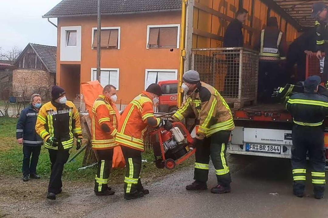 Feuerwehrtechnik wie dieses Belüftungsgerät fand dankbare Abnehmer.  | Foto: privat