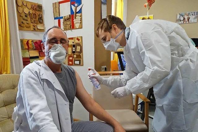 Wie ein mobiles Impfteam die Bewohner eines Seniorenheims geimpft hat