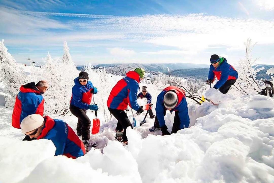 Die Bergwacht übt für Lawineneinsätze ...m Ernstfall Menschen retten zu können.  | Foto: Olga von Plate / Bergwacht Schwarzwald
