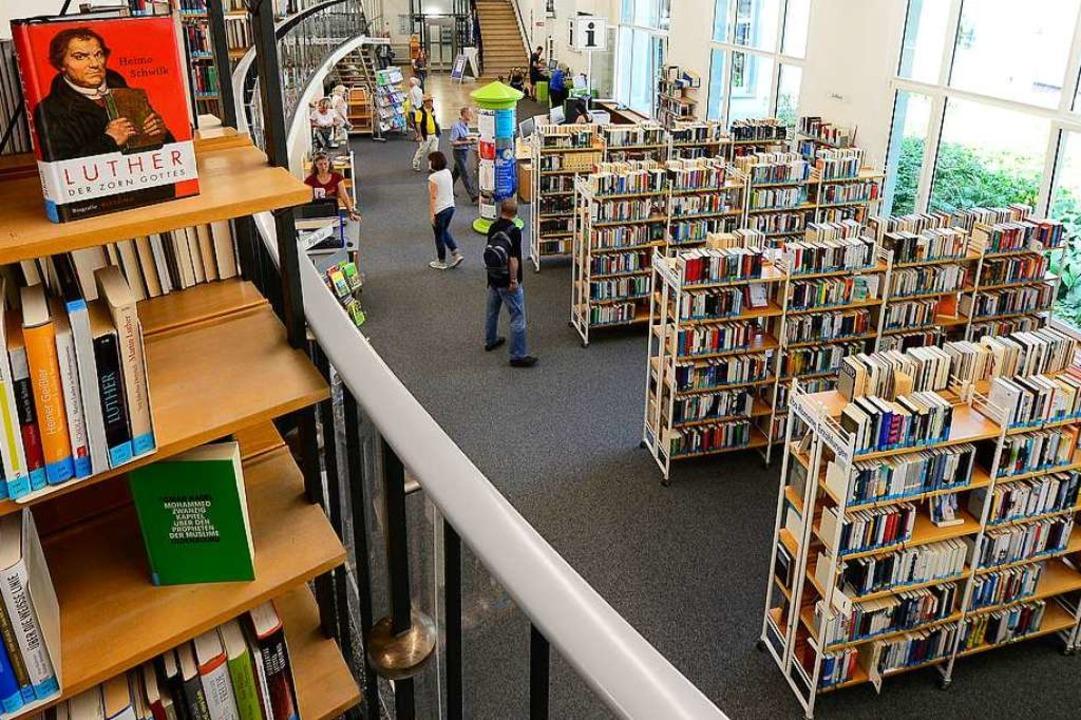 Die Freiburger Stadtbibliothek will au...erden die bestellten Bücher geliefert.  | Foto: Ingo Schneider